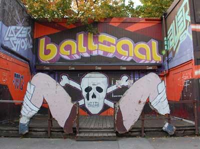 Alter-Ballsaal-auf-ebay-1