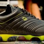 Ein Schuh, Pelé und ein Besuch von uns auf der ISPO