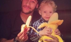 Dieses Bild postete Neymar auf seinem Instagram-Profil nach der Aktion von Dani Alves.